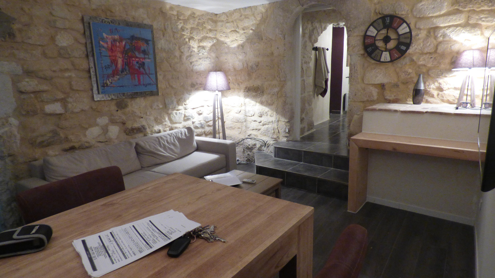 Vente appartement theziers for Appartement atypique 77